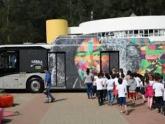 Galeria itinerante leva obras do artista Kobra para periferias de SP