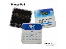 Mouse Pad 18x18cm - Quadrado ou 18cm - Circular, impressão digital em policromia.
