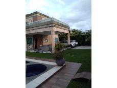 Vendo Casa DUPLEX no Jardim Eldorado (TURÙ). Com 4 suítes, sala de estar e jantar, cozinha ampla, área de lazer completa, garagem p/ 4 carros.   FALAR COM: Henrique