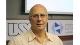 Físico recebe prêmio de ciência e enaltece financiamento à pesquisa