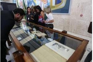 Palácio do Planalto abre mostra com Lei Áurea e outros documentos históricos