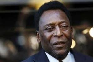 Pelé é hospitalizado após desmaio por exaustão e cancela viagem a Londres