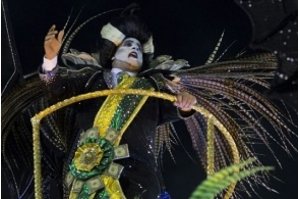 Carnaval do Rio de Janeiro mostra criatividade contra a crise e o 'vampiro' Temer