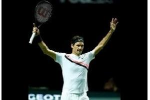 Federer torna-se tenista mais velho a assumir liderança de ranking