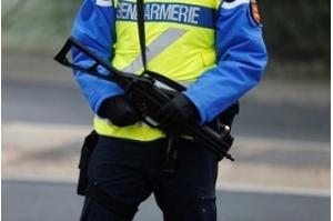 Tiroteio e tomada de reféns em supermercado na França