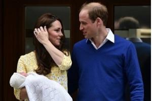Esposa do príncipe William dá à luz um menino