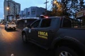 Viatura do Exército tem pane em favela e militares fogem a pé no Rio