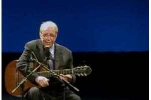 O triste fim de vida de João Gilberto, a voz da Bossa Nova