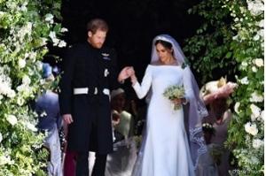 Meghan Markle e Príncipe Harry devolvem R$ 35 milhões em presentes de casamento