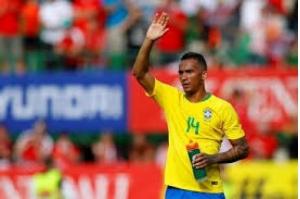 Brasil terá Fágner na vaga de Danilo contra Costa Rica