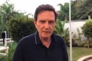 Crivella enfrenta pedidos de impeachment por improbidade
