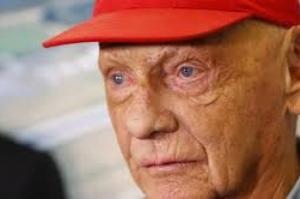 Ex-piloto de Fórmula 1 Niki Lauda recebe transplante de pulmão em Viena