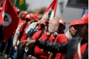 PT registra candidatura de Lula no TSE e já surgem primeiros pedidos de impugnação