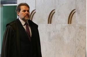 Toffoli toma posse na presidência do STF e ficará no cargo até 2020