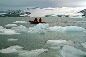 Degelo dos polos causa instabilidade na rotação da Terra, aponta estudo