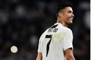 Ex-modelo acusa Cristiano Ronaldo de estupro