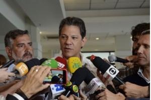 Haddad defende união e diz estar aberto ao diálogo com militares