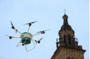 Serviço postal do Japão realiza primeira entrega com um drone