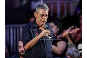 Chico Buarque leva 2 prêmios nas categorias brasileiras do Grammy Latino