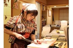 Mulheres tentam desfazer mitos e conquistar espaço no setor do sushi do Japão