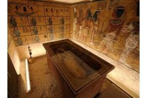 Tumba de Tutancâmon é reaberta após uma década de restauração