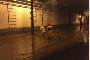 Chuva alaga vários pontos do Rio e deve ir até sábado