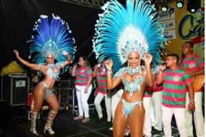 Pré-Carnaval de Todos chega a mais um fim de semana com festa, fantasias e blocos