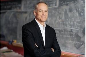 Físico brasileiro recebe Prêmio Templeton de 2019