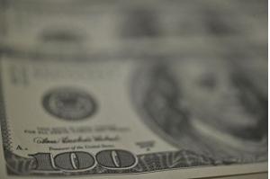 Dólar fecha em R$ 3,90 e bolsa tem maior queda semanal desde agosto