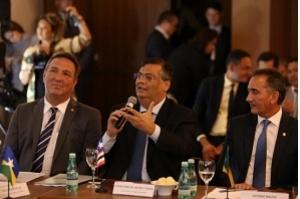 Em reunião, Flávio Dino defende união dos estados do Norte e Nordeste