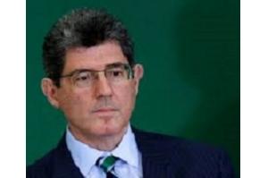 Bolsonaro ameaça publicamente demitir presidente do BNDES