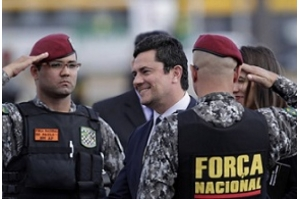 Novas mensagens vazadas levam escândalo com Moro e Lava Jato à Venezuela