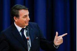 Bolsonaro defende indicação de filho para embaixada em Washington