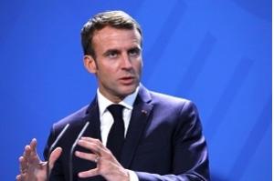 Presidente da França se esforça para manter acordo nuclear de pé