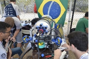 Robô da Equipe Nautilus representa Brasil na Robosub 2019