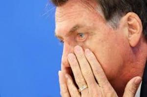 Governo não tem mais dinheiro e está tentando sobreviver a este ano, diz Bolsonaro