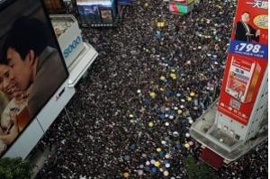 Manifestantes voltam a protestar em Hong Kong