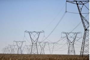 Aneel aprova redução nas contas de luz em quatro distribuidoras
