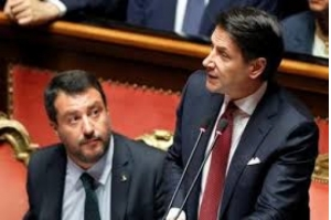 Primeiro-ministro da Itália renuncia e culpa Salvini por afundar o governo