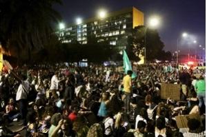 Manifestantes vão às ruas em defesa da Amazônia