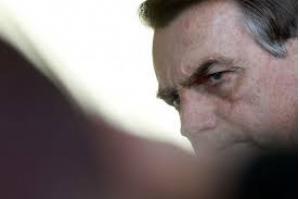 Médicos retiram sonda de Bolsonaro; previsão de viagem para Assembleia da ONU se mantém