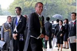 Bolsonaro diz preferir Eduardo no Brasil e fala em Foster para embaixada em Washington