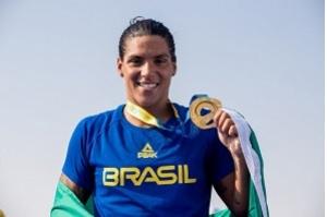 Ana Marcela é escolhida como melhor nadadora de águas abertas do mundo