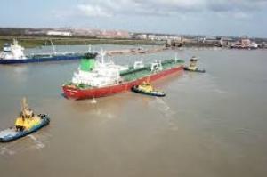 Porto do Itaqui recebe o maior navio de combustíveis