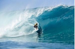 Ítalo Ferreira conquista título do Circuito Mundial de Surfe