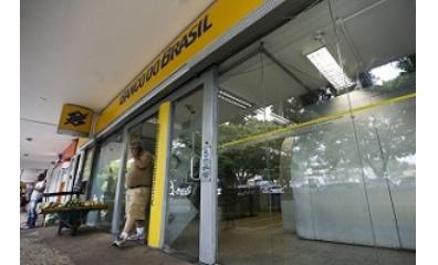 Bancos terão expediente hoje na parte da tarde