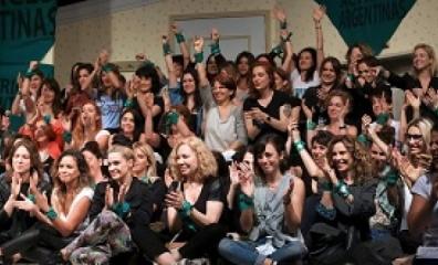Atriz denuncia colega por estupro e dá início a '#MeToo argentino'