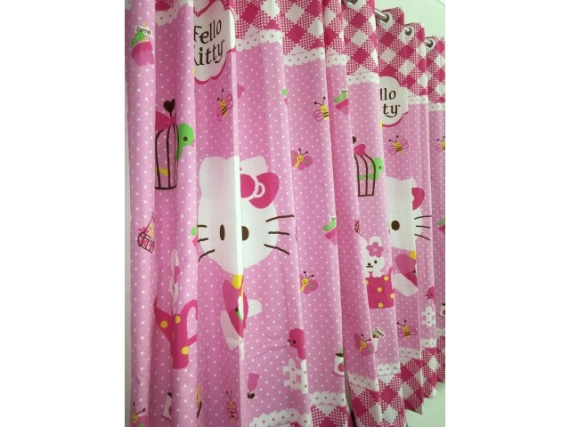 Cortina Hello Kitty p/ varão.