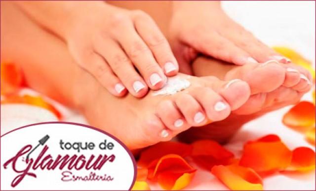 Manicure + Pedicure + Decoração de Unhas + Esfoliação dos Pés De R$ 52,00 por R$ 25,48
